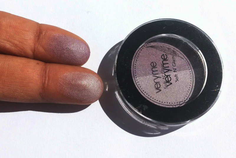 Oriflame Very Me Soft N Glam Eye Shadow Lady Lilac Review 3