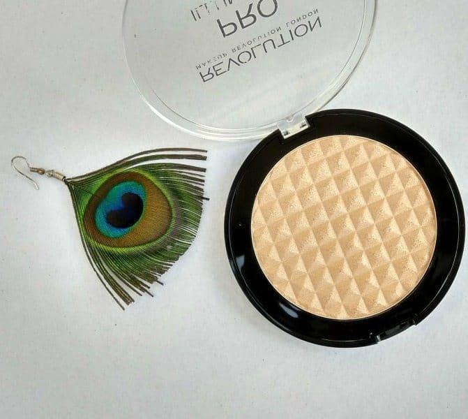 The Makeup Revolution Pro Illuminate Highlighter 2