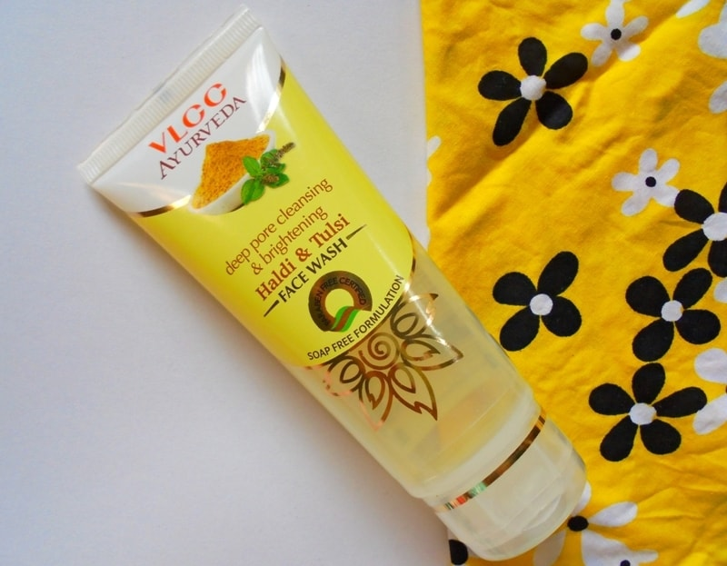 VLCC Ayurveda Deep Pore Cleansing & Brightening Haldi & Tulsi Face Wash Review 1