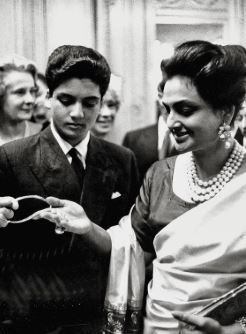 Who were the Pre Independence Fashion Icons of India ? 3