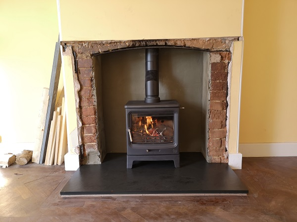 F2 Vue Landscape Stove installed in Ilminster, Somerset.