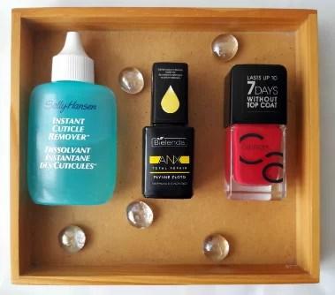 Produkty wykorzystane do manicure - płyn do skórek Sally Hansen, odżywka Bielendy,lakier ICONails Catrice