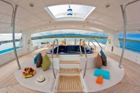 m/c Cormorant Sun Deck