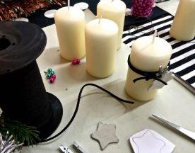 Der Stern ist freestyle, oder nimm ein Backförmchen als Vorlage. Kräfige Schnur zwei Mal um die Kerze wickeln, daran Sternchen befestigen.