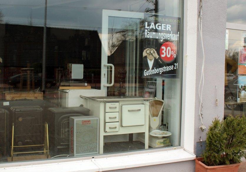 upcycling gebrauchtm bel statt retro look glucke online magazin informationen aus bremen. Black Bedroom Furniture Sets. Home Design Ideas