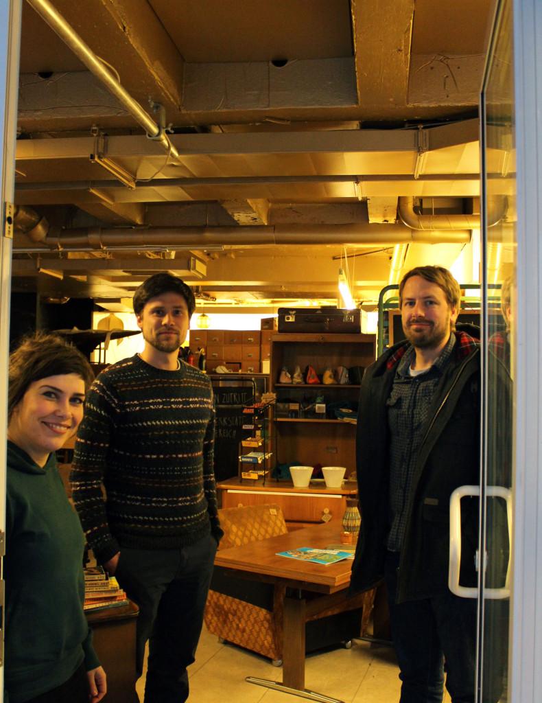 Das Wedderbruuk Team: Sandra, Frederik und Tillmann im Laden