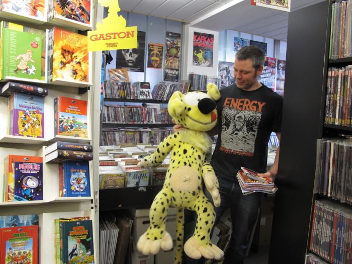 "Alte Freunde: Jan Albin arbeitet schon lange im Comic Café, sein ""Kollege"" Marsupilami."