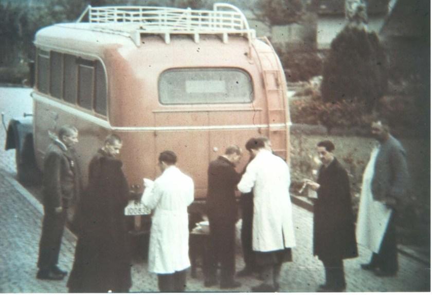Transport in eine ungewisse Zukunft. Foto © Archiv der Stiftung Liebenau