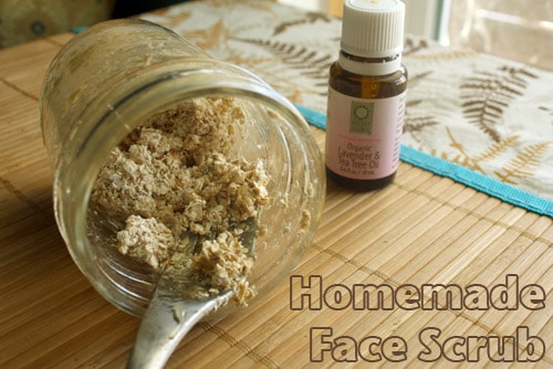 Rather than buy a pricey face scrub in a single-use plastic container, whip up your own homemade oatmeal face scrub with ingredients from the pantry!