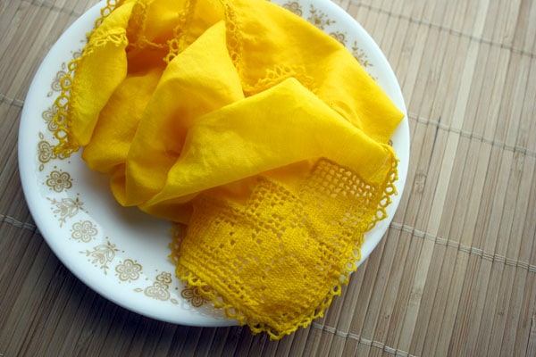 How to Make Natural Fabric Dye from Turmeric