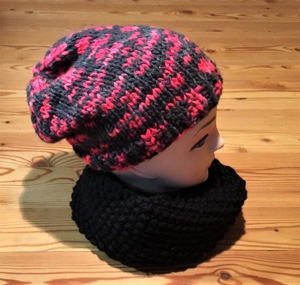 mütze schwarz und neonrot