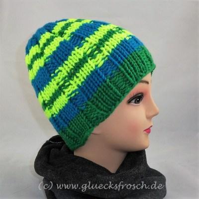 Mütze grün, blau, gelb