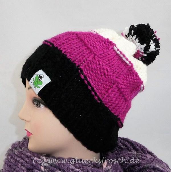 mütze schwarz, pink, weiß bommel