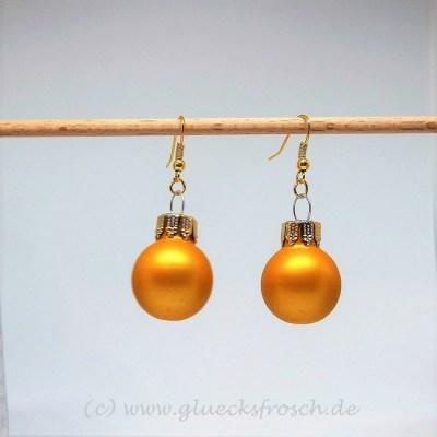 matt goldene CHristbaumkugel Ohrschmuck