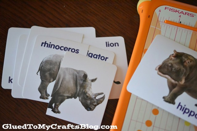 Flashcards Turned Matching Game {Busy Bag Idea}