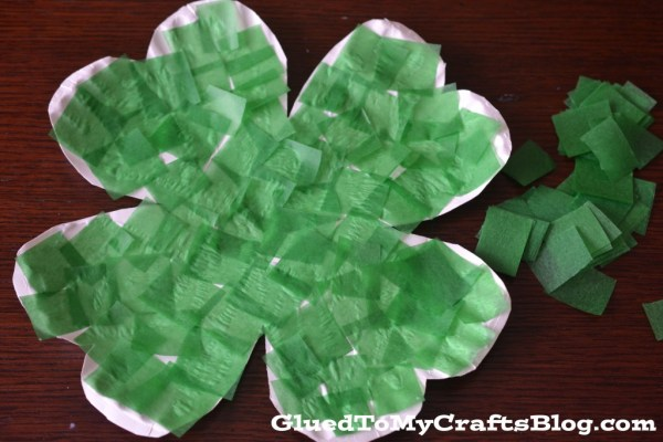 Paper Plate Clover {Kid Craft}