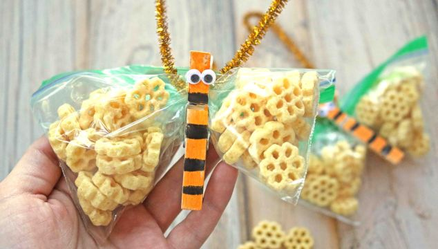 Honeycomb Bee Themed Classroom Snack Idea