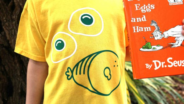 Super Easy Vinyl Green Eggs & Ham Shirt