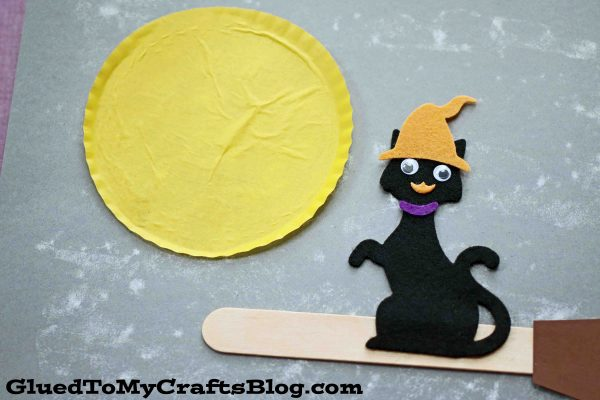 Flying Witch Cat On Halloween Night - Kid Craft