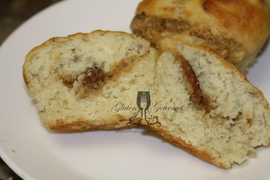 Middle Cut Banana Praline Muffins