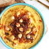 caramelised-onion-turmeric-houmous-bowl