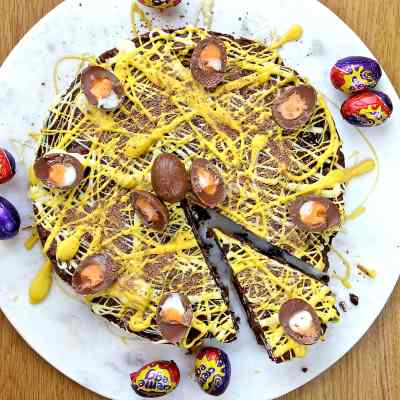 Creme Egg Biscuit Cake – An Easy No Bake Recipe