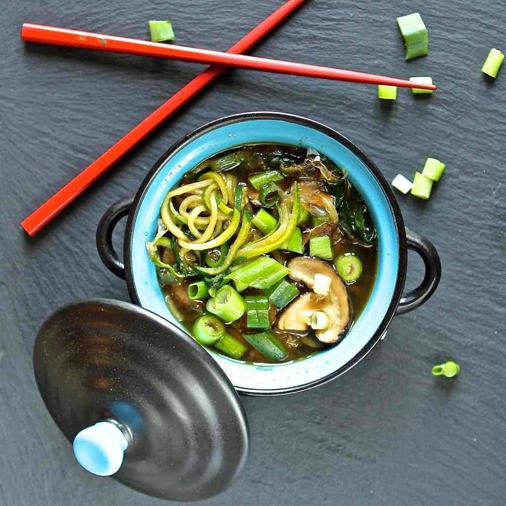 zucchini-noodles-soup