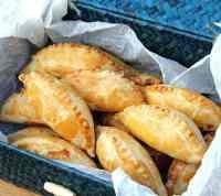 picnic-sausage-pasties