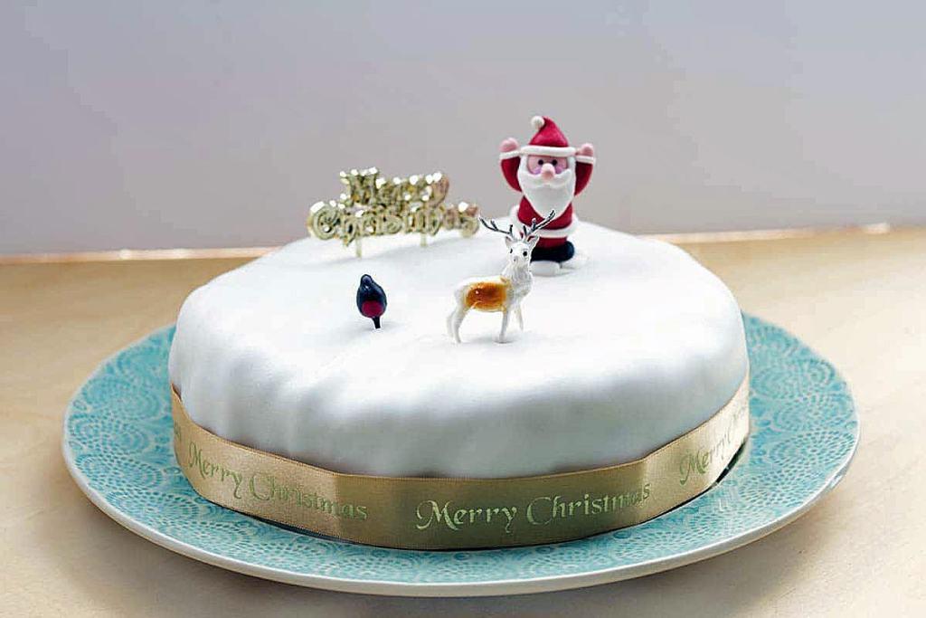 vegan-christmas-cake-cook-veggielicious