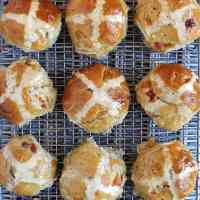 marzipan-hot-cross-buns
