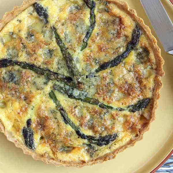 Asparagus Quiche with Stilton – A Very English Quiche