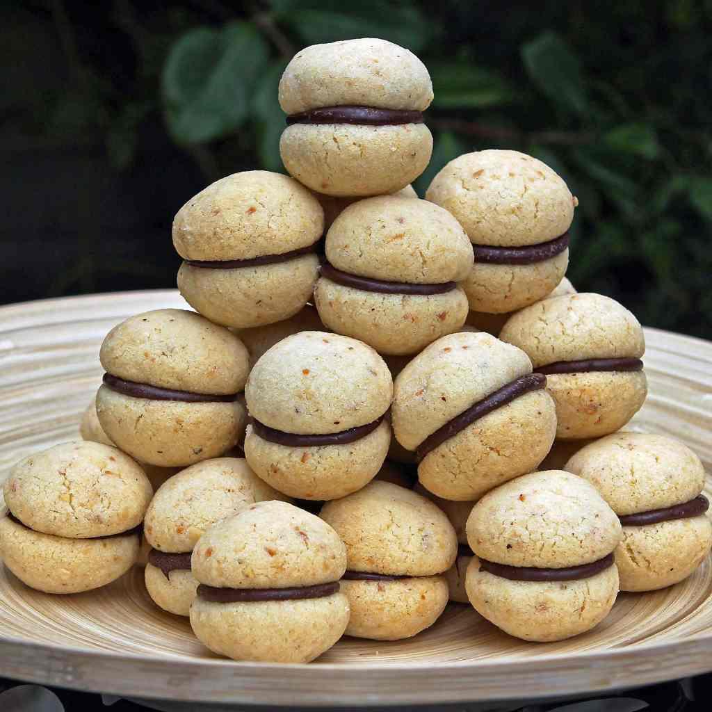 italian-hazelnut-cookies