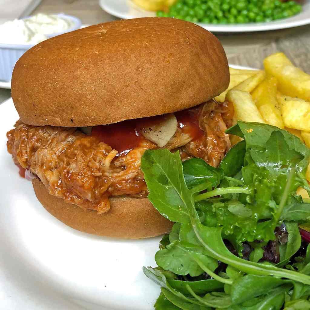 oscar-bentleys-pulled-pork-burger