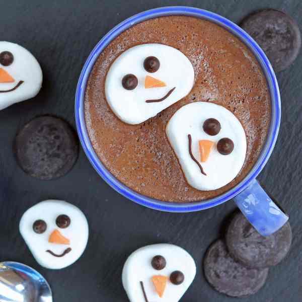 Baileys Hot Chocolate (and Snowman Marshmallows) – Homemade