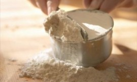 Measuring_Flour