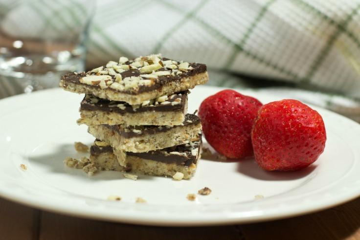 Healthy Coconut and Almond Dark Chocolate Bars