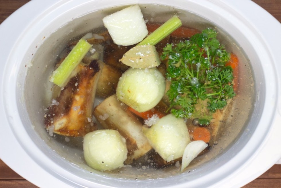 How To Make Beef Bone Broth And Why It's Good For You