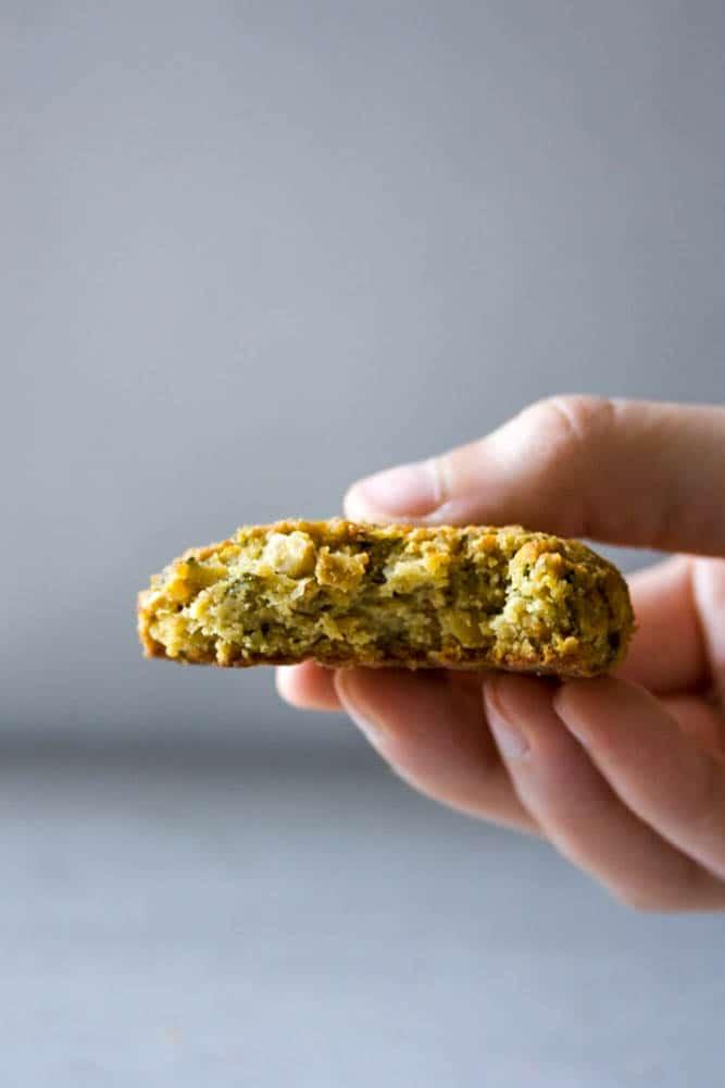 eating LOW FODMAP falafel (vegan and gluten free)