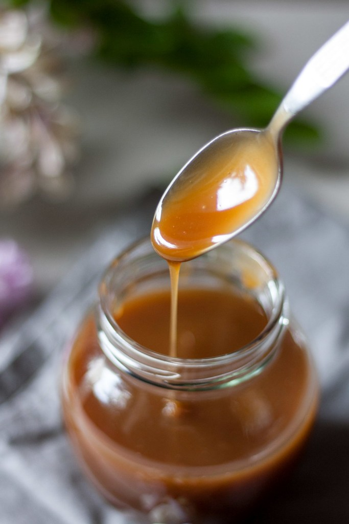 This FODMAP Caramel Sauce is only 3 ingredients, naturally lactose-free, perfectly sweetened and super flavorful with a nice silky texture.