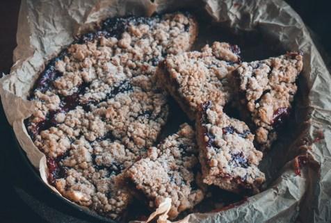 Veganer Streuselkuchen mit Haferflocken