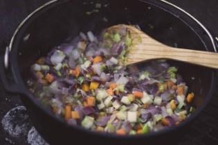Gemüse im Dutch Oven