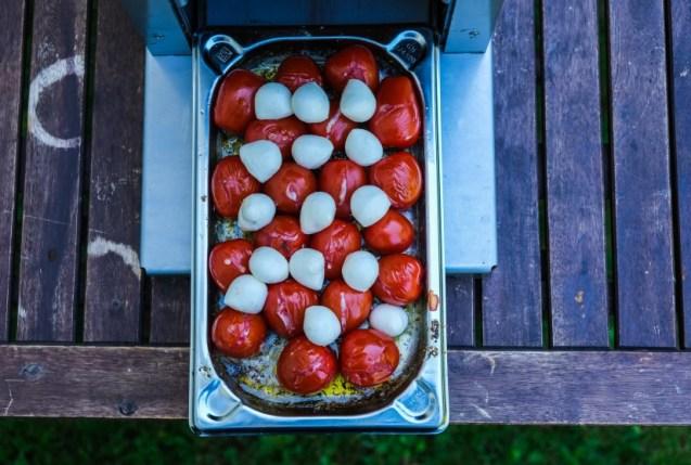 Tomaten mit Mozzarella Kugeln