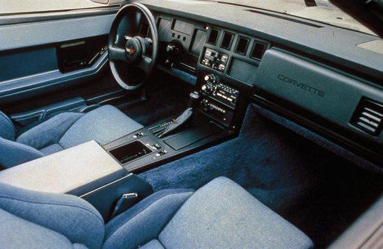 1984-corvette-interior-18_a