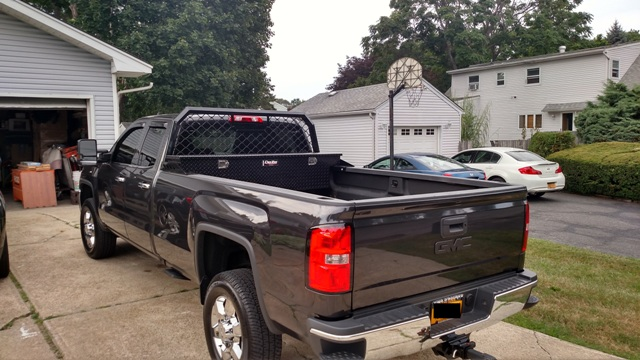 pictures of trucks with headache racks