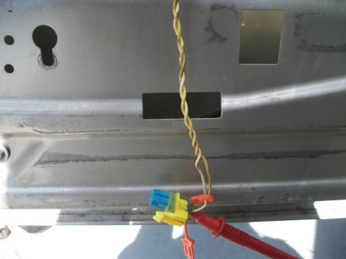 small resolution of 2004 yukon xl slt b0077 side impact sensor wire failure jpg