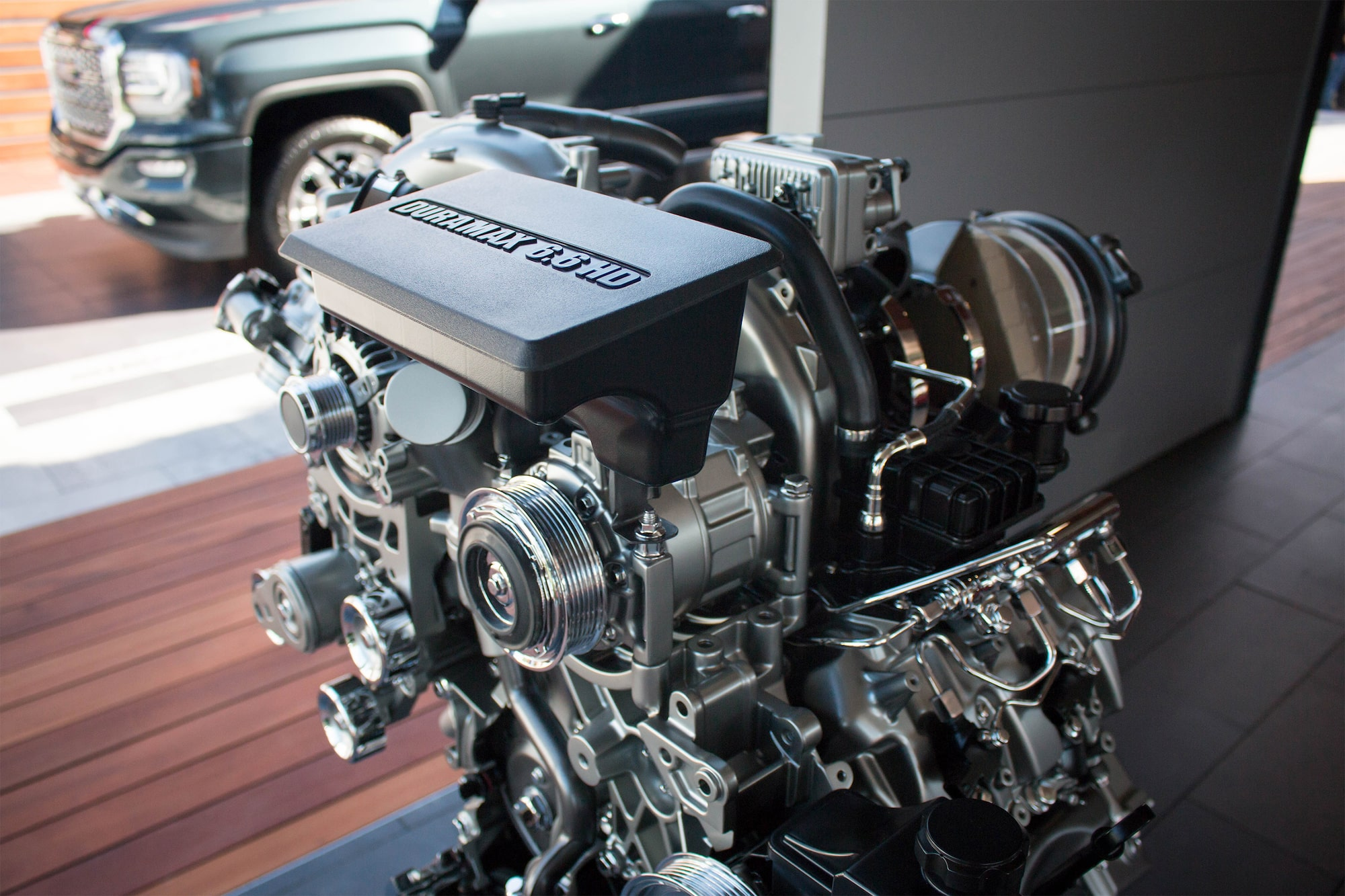 gmc life duramax diesel engine  [ 2048 x 1365 Pixel ]