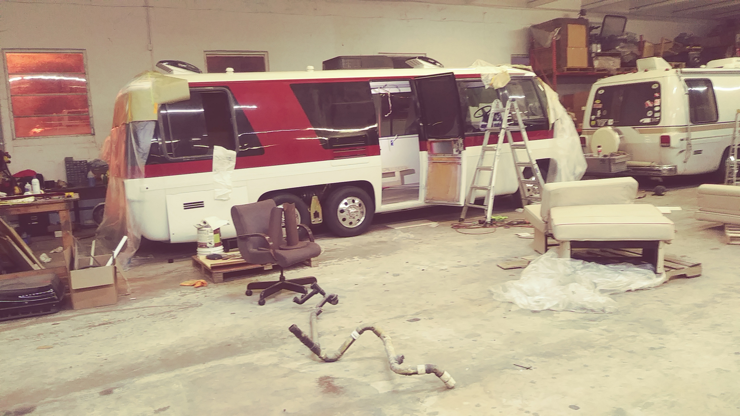 GMC motorhome: Converting the early beltline molding to new
