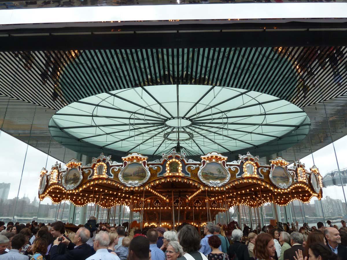 proj-janes-carousel-003