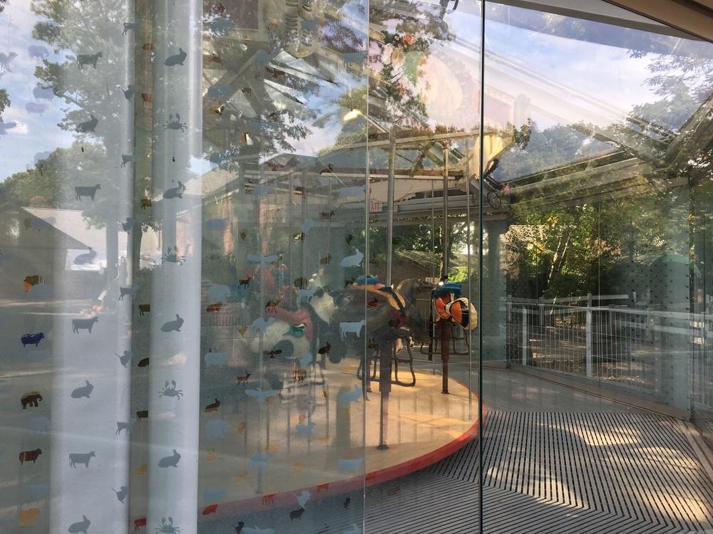 proj-si-zoo-carousel-004