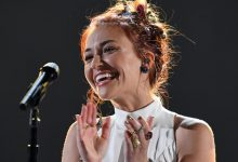 "Photo of Lauren Daigle Performs ""Rescue"" On The Kelly Clarkson Show"